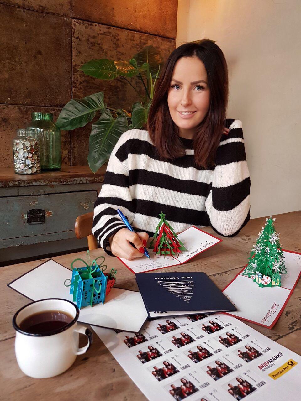 individuell gestaltete briefmarken f r weihnachtskarten. Black Bedroom Furniture Sets. Home Design Ideas